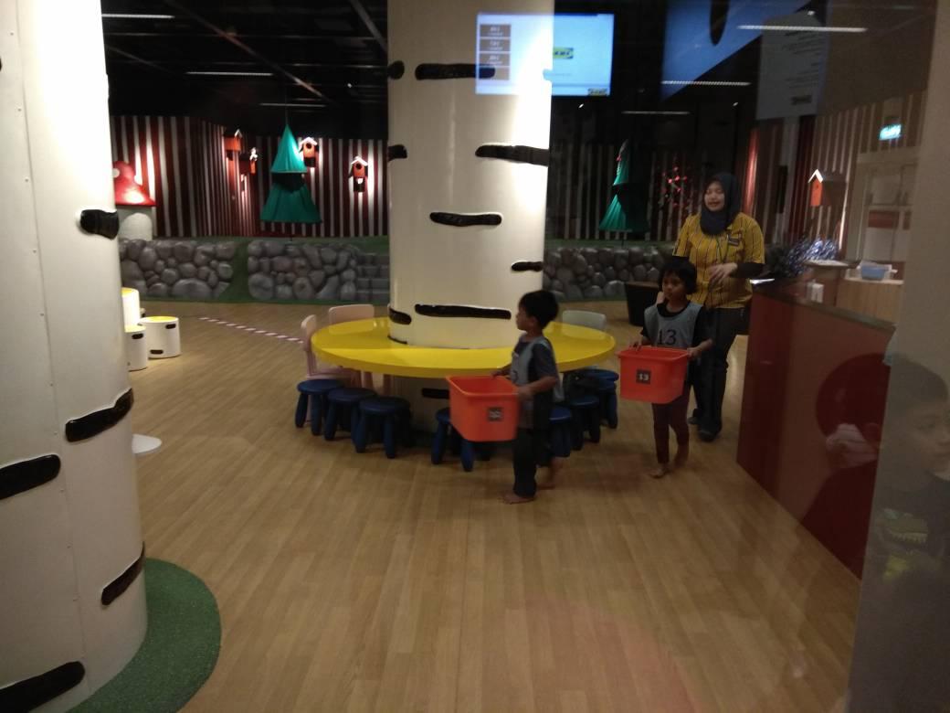 Suasana dan tempat Ikea smaland