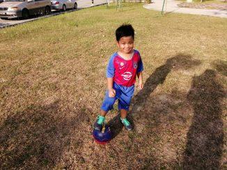 Aqil dan bola sepak