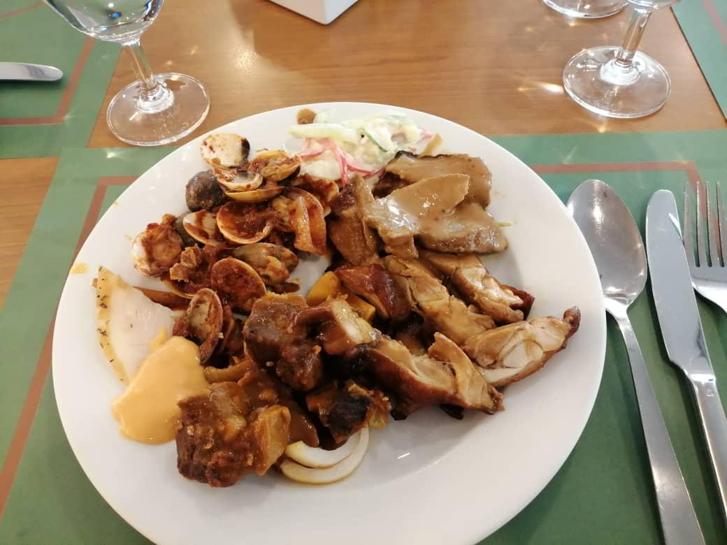 Masakan kambing dan daging pun sedap